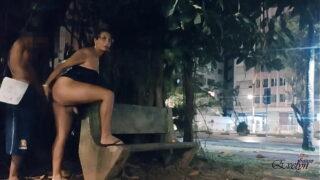 SEXO COM ADOLESCENTE MORENO NA PRAÇA
